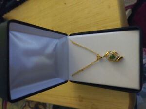 8 boxes of 14 ct gold plated necklaces, new