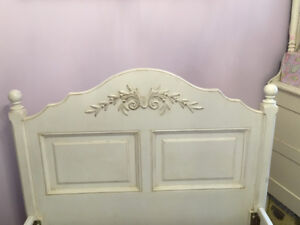 Antique white dIstressed DeBoers Twin Bed & matching side table