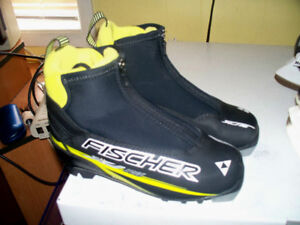 SNS CROSS COUNTRY FISHER SPRINT SKI SHOES ONLY S.EU35