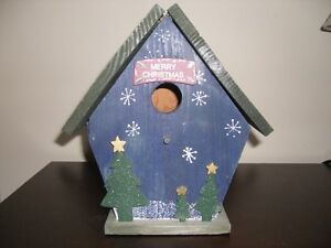 CHRISTMAS THEMED WOOD BIRDHOUSE