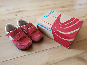 Saucony Toddler sz 10 runners