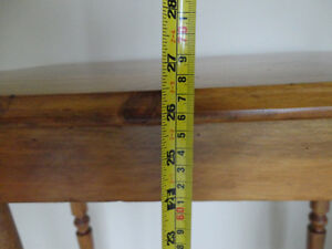 Vintage Solid 100% Country Wood End Table - In Excellent shape Kitchener / Waterloo Kitchener Area image 4