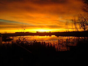 Enjoy the beautiful sky from your deck 10 min east of Regina