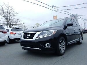 2014 Nissan PATHFINDER Platinum LOADED LEATHER!