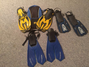3 sets of snorkel fins