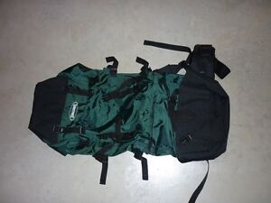 HIKING/CAMPING MID-SIZE PACK