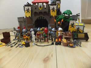 Playmobil 4865 Lion Knights Empire Castle with many Extra's EUC
