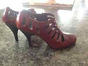 Beautiful  unique ...like New Nine West Shoes