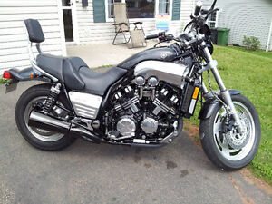 YAMAHA VMAX WITH V-BOOST
