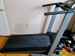 KEYS - EC 1500-C FOLDING TREADMILL