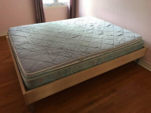 Queen mattress with Ikea bedframe