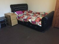 1 bed room available, BILLS INCLUDED, double room, Fallowfield, close to transport, uni, city