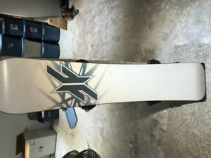 Forum Snowboard Youngblood 157CM with boots and bindings!