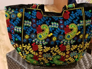 Women Hand Bag Embroidered