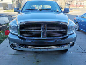 08 dodge 2500 diesel  with low km