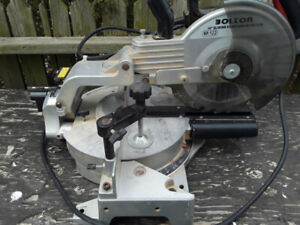 Radial arm mitre saw