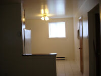 ONE MONTH FREE RENT/ 2BD CLOSE TO DOWNTOWN & YMCA