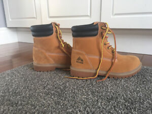 Boys work boots