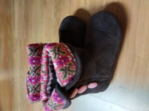 Brand new! Cute indoor shoes/boots for girls -size 10