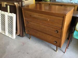 Divers meubles