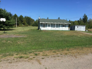 Cottage / House in Karrs NB Belliesle 5+ acres  65.000!