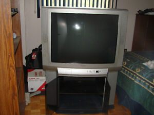 "Toshiba Television 37"" West Island Greater Montréal image 2"