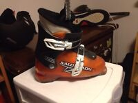 Kids boots size 2