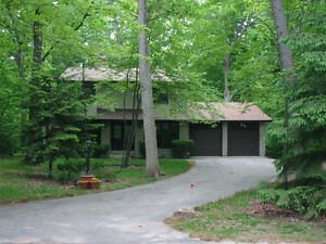 Large Home for rent in Southcott Pines Grand Bend near Exeter