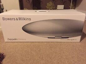 Bowers & Wilkins Zeppelin Wireless White Speaker - BRAND NEW