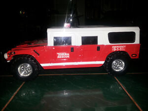 TONKA FIRE RESCUE WITH BRAND NEW BATTERIES INCLUDED ONLY 7$ London Ontario image 2