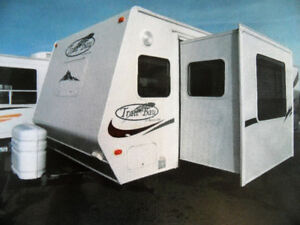 "2006 TRAIL BAY TB27DS ""NO BUNKS"""