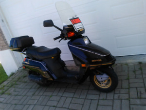 Scooter a vendre shawinigan!!