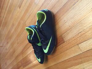 Nike Boys Indoor Soccer Shoes Windsor Region Ontario image 3