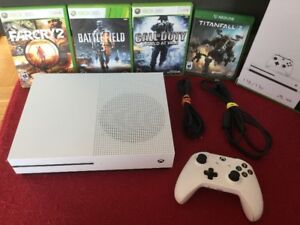 310$ - X Box One S 1To/1Tb 4k + 4 jeux: Call of Duty... - 310$