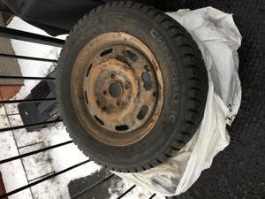 4 pneus d'hiver sur jantes de marque GT Radial 200$