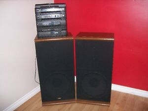 Shediac:  Two speakers for Sale