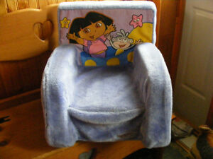 Marshmellow Chair, also rocks, larger size