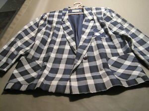 4 Women's Suit Jackets Cornwall Ontario image 3