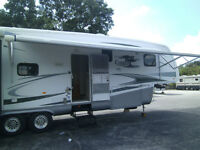 ONE OWNER! 2008 NEWMAR CYPRESS M-37LSRE 5TH WHEEL CAMPER!
