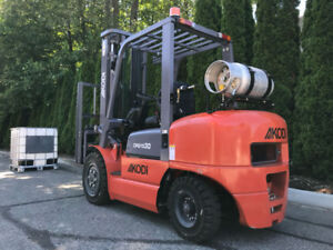 Forklift – Dual: propane & gasoline (6,600 lbs & 18 ft) - NEW