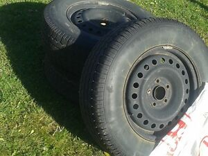 """16"""" winter tire with rims 225/70R16 West Island Greater Montréal image 2"""