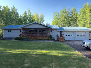 Beautiful acreage 20 minutes from Drayton Valley