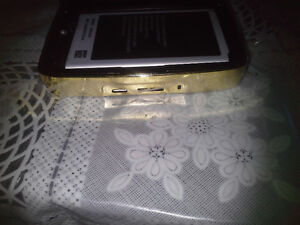 FOR (SAMSUNG NOT 3 ) DULL BATTERY CHARGER GOLDEN NEW London Ontario image 3
