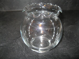 BEAUTIFUL ROSE BOWL/FISH BOWL ... LIKE NEW CONDITION!
