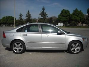 2011 Volvo S40 Level II T5 FWD
