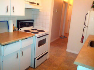 Room for Rent on Whyte Ave (Female ONLY)