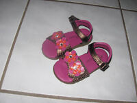 Sandals Wee Walkers size 6