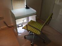 Glass desk + desk chair + transparent floor/carpet protector - Dalston E8
