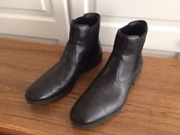 50% Off.......Brand New Rockport Men's Chelsea Boots