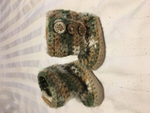 Knit Booties (size 0-6 months)